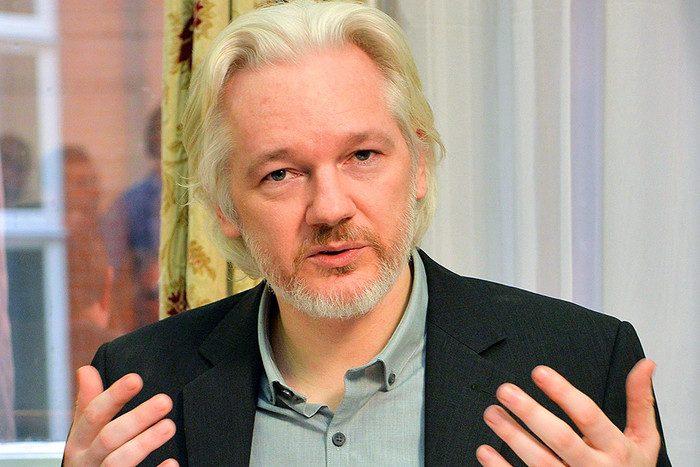 2014-08-18t094208z_207442617_lm1ea8i0tlu01_rtrmadp_3_wikileaks-assange-pic700-700x467-94983